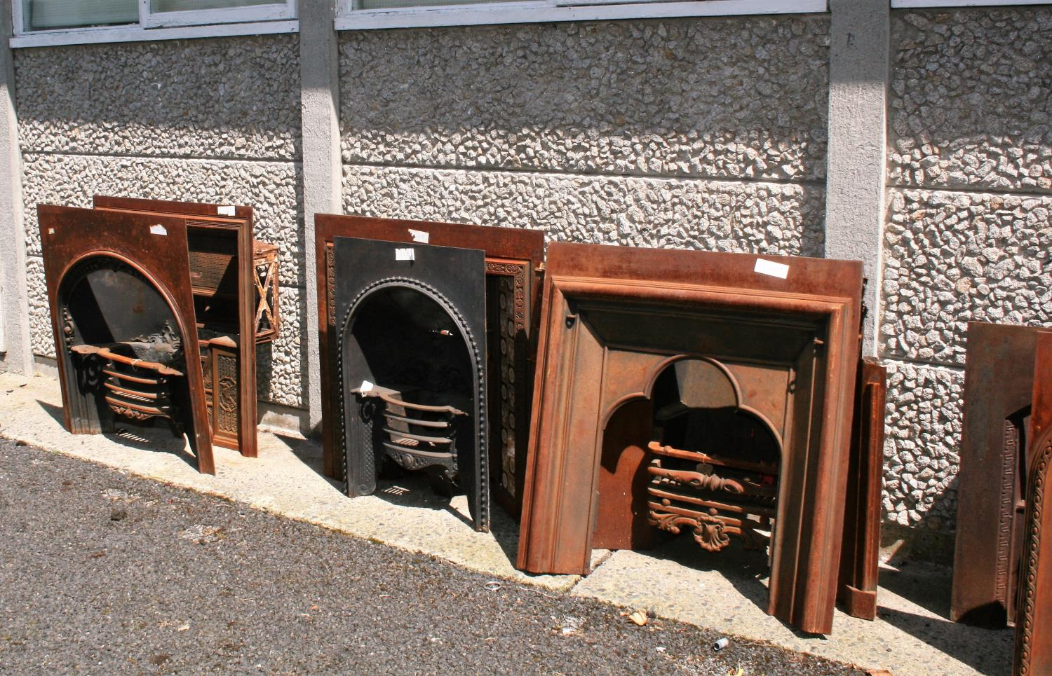 Large collection of antique cast iron fire insets, fire grates, fenders etc. - Image 6 of 6