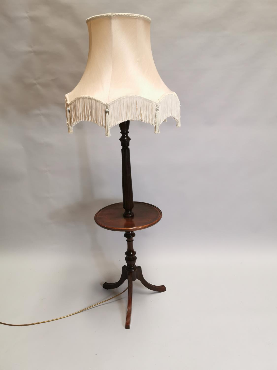 Mahogany standard lamp in the Edwardian style 162 cm H x 62 cm Dia