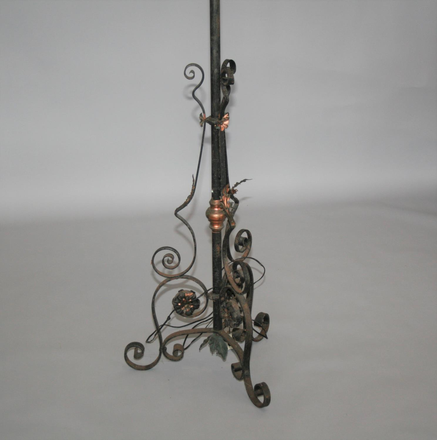 Wrought iron and copper telescopic lamp with lantern top 40 W x 90 H - Image 2 of 3