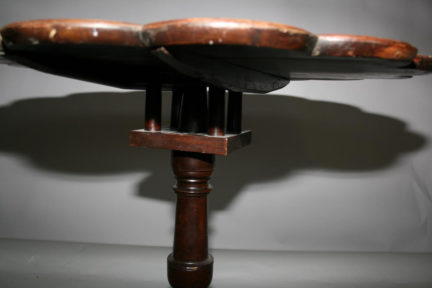 Georgian mahogany tripod table of high crust form with bird cage action. 70W x 70H - Image 2 of 4