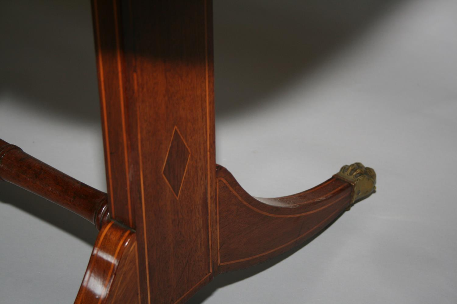 Very fine original Georgian sofa table mainly in mahogany with satin wood cross banding - Image 5 of 5