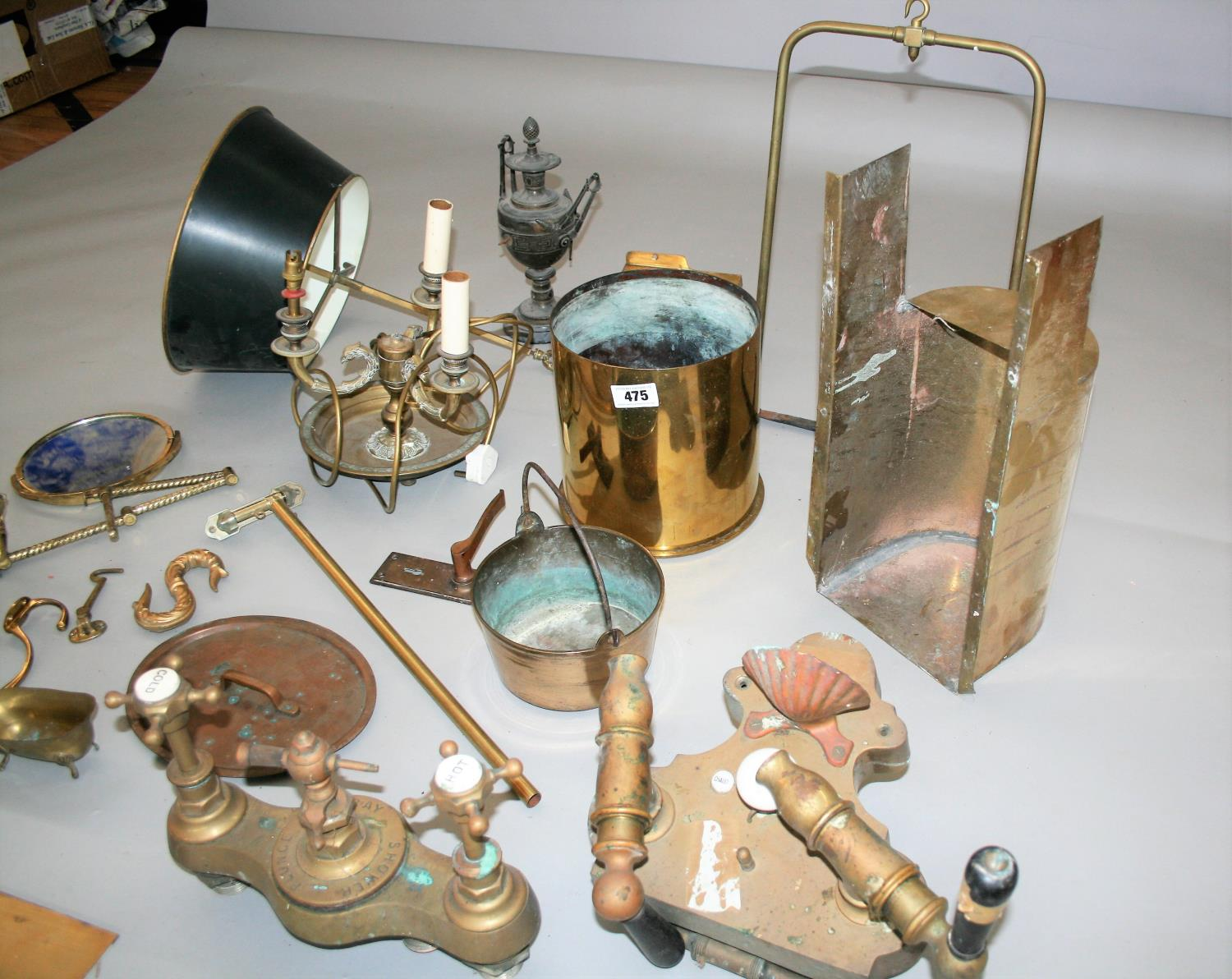 Collection of quality antique brass items, lamp, private sign etc - Image 3 of 4