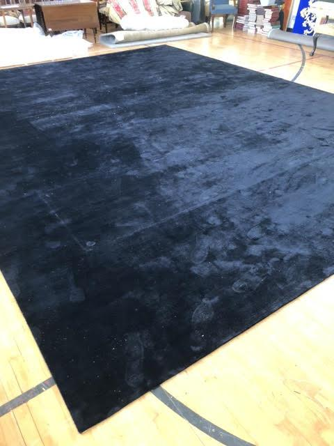 The Rug Company: Superb black centre rug 480 x 600