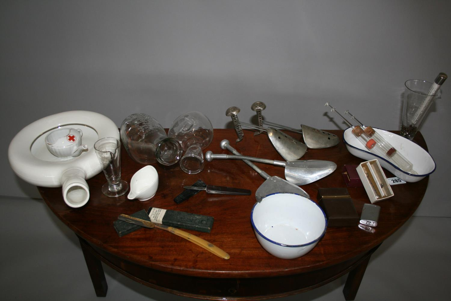 Very quirky collection of vintage medical paraphernalia including cut throat razor (Puma Gold).