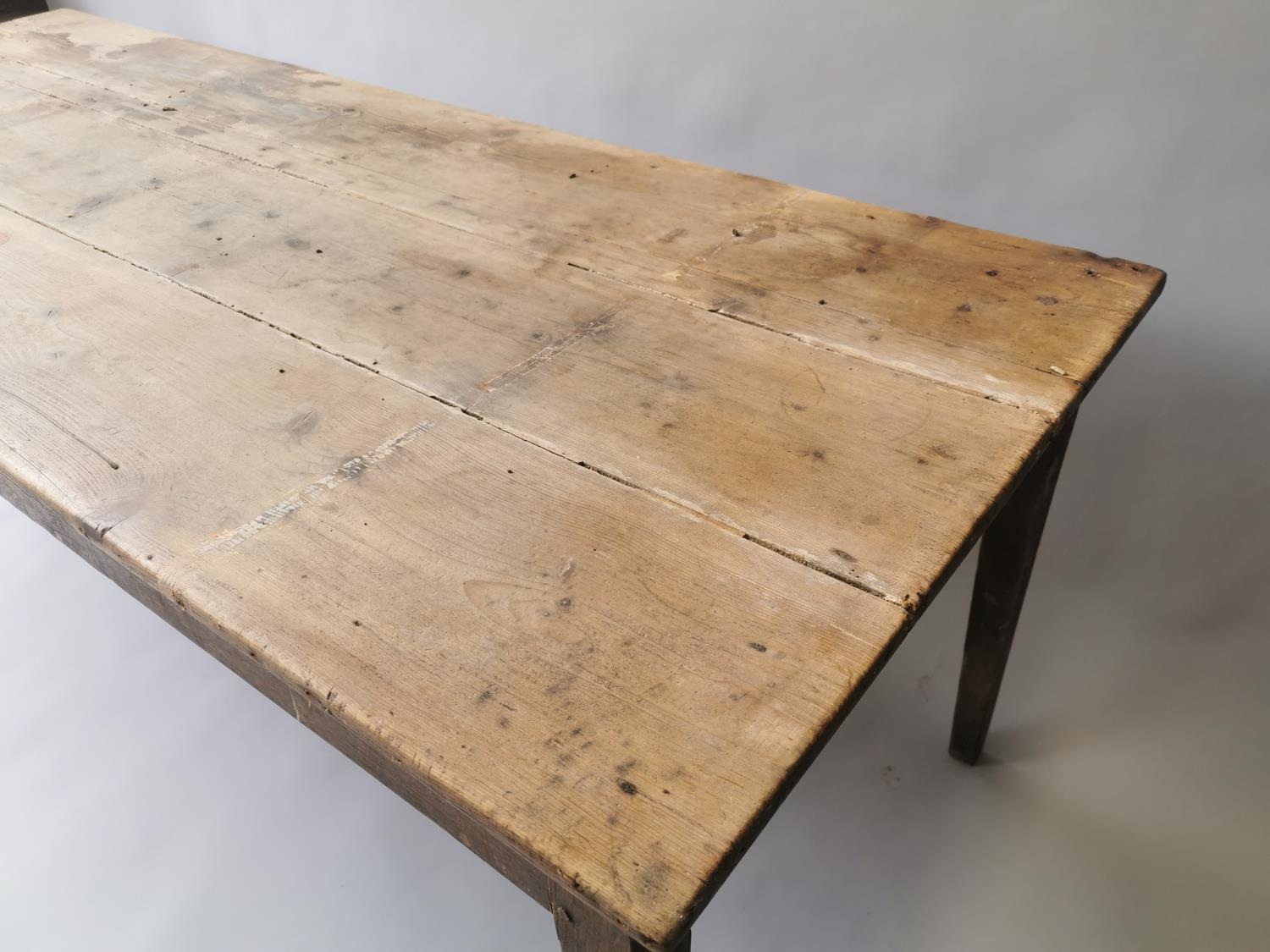 19th C. pine and oak kitchen table on square tapered legs 70 cm H x 198 cm L x 79 cm D - Image 5 of 5