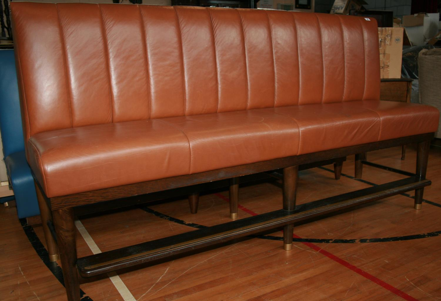 Fine quality fixed seating brown leather upholstered high seat with footrail and brass embellishment - Image 2 of 3
