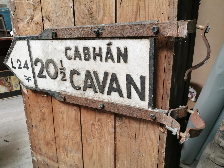 Cavan bi-lingual road sign.