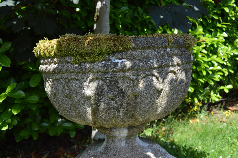 Stone urn on hexagon pedestal - Image 2 of 3