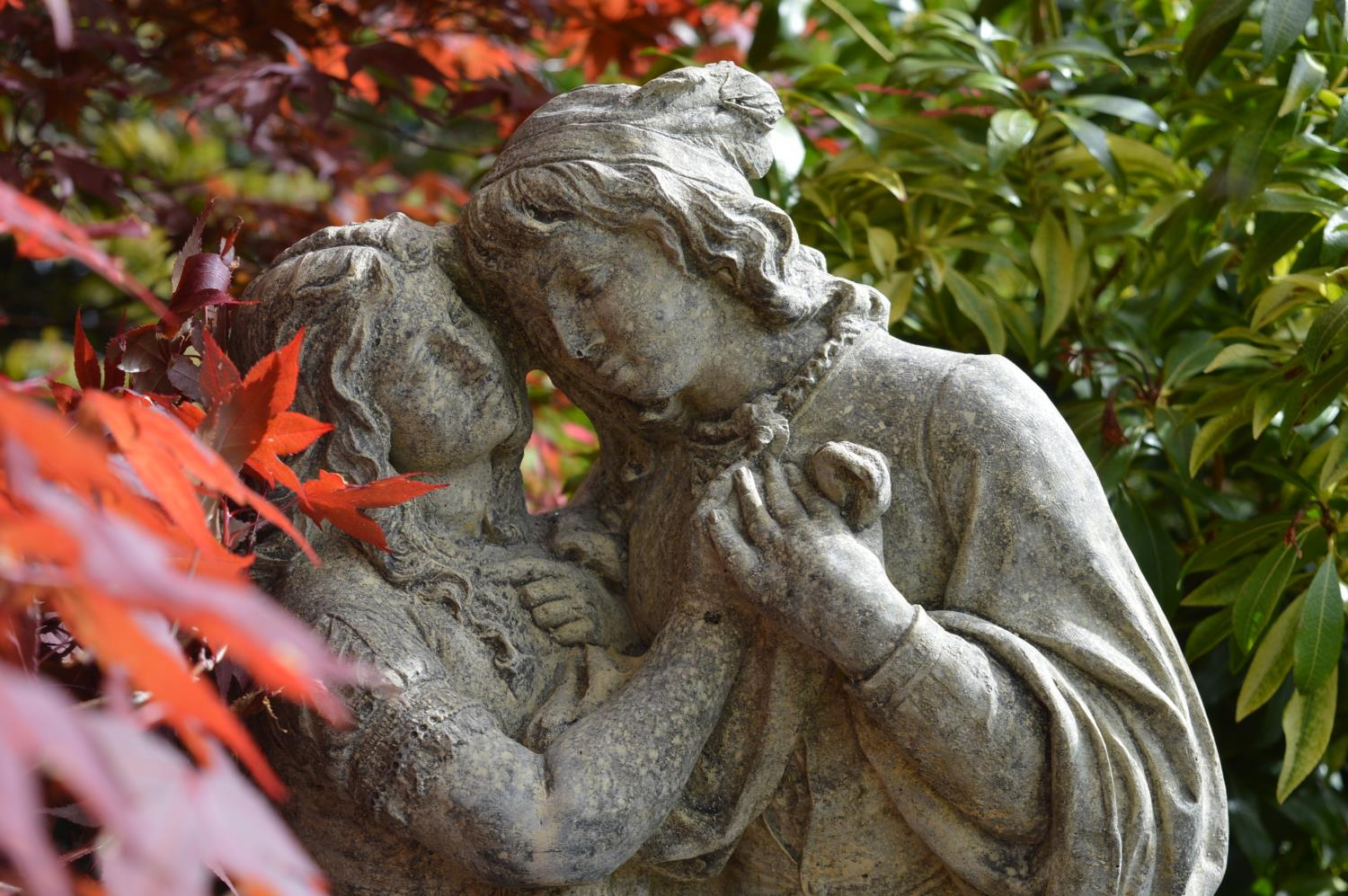 Stone sculpture of Romeo and Juliet - Image 4 of 4