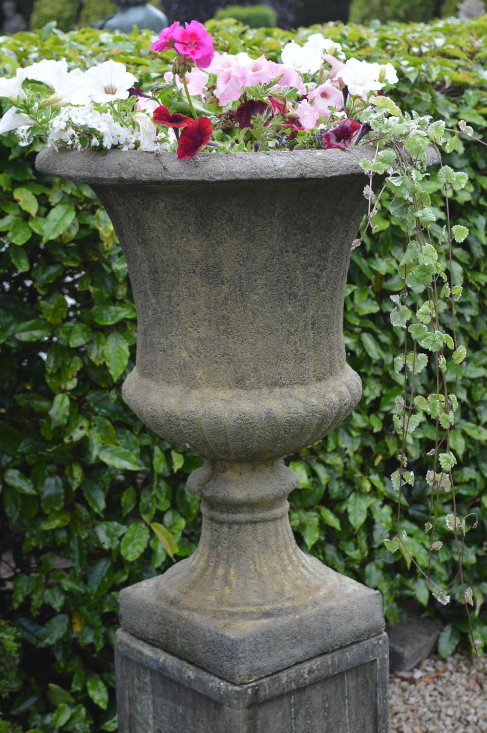 Pair of stone fluted urns - Image 3 of 3