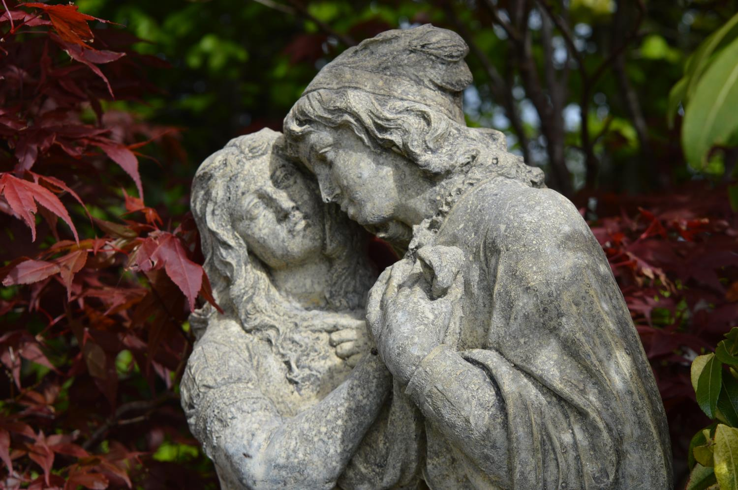 Stone sculpture of Romeo and Juliet - Image 2 of 4