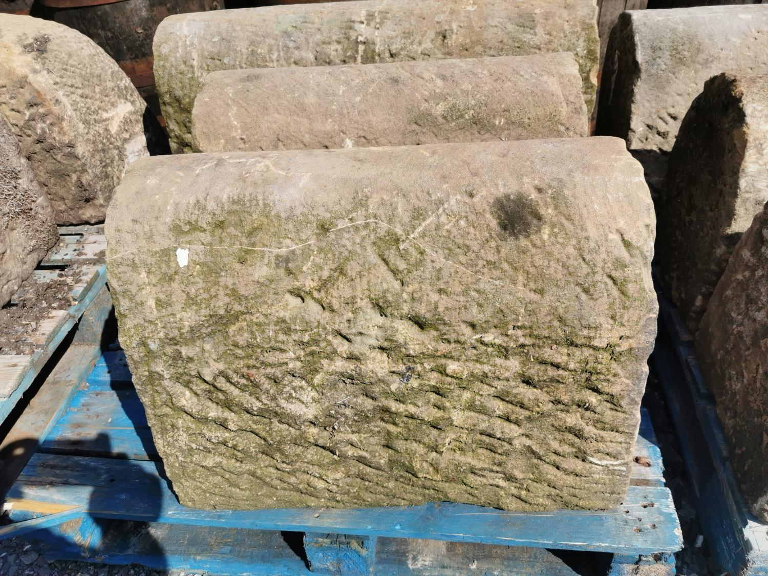 Fifteen pieces of sandstone wall capping. - Image 2 of 2