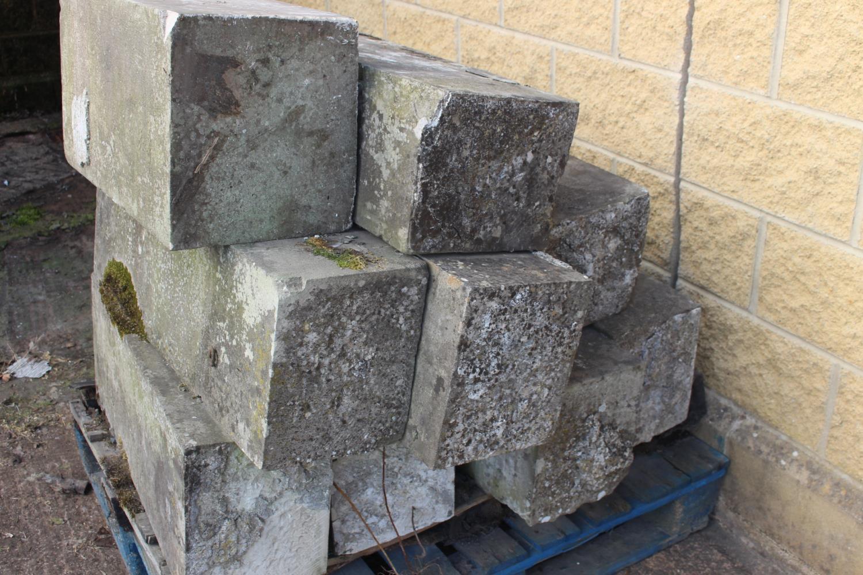 Pallet of nine sandstone blocks - Image 2 of 3