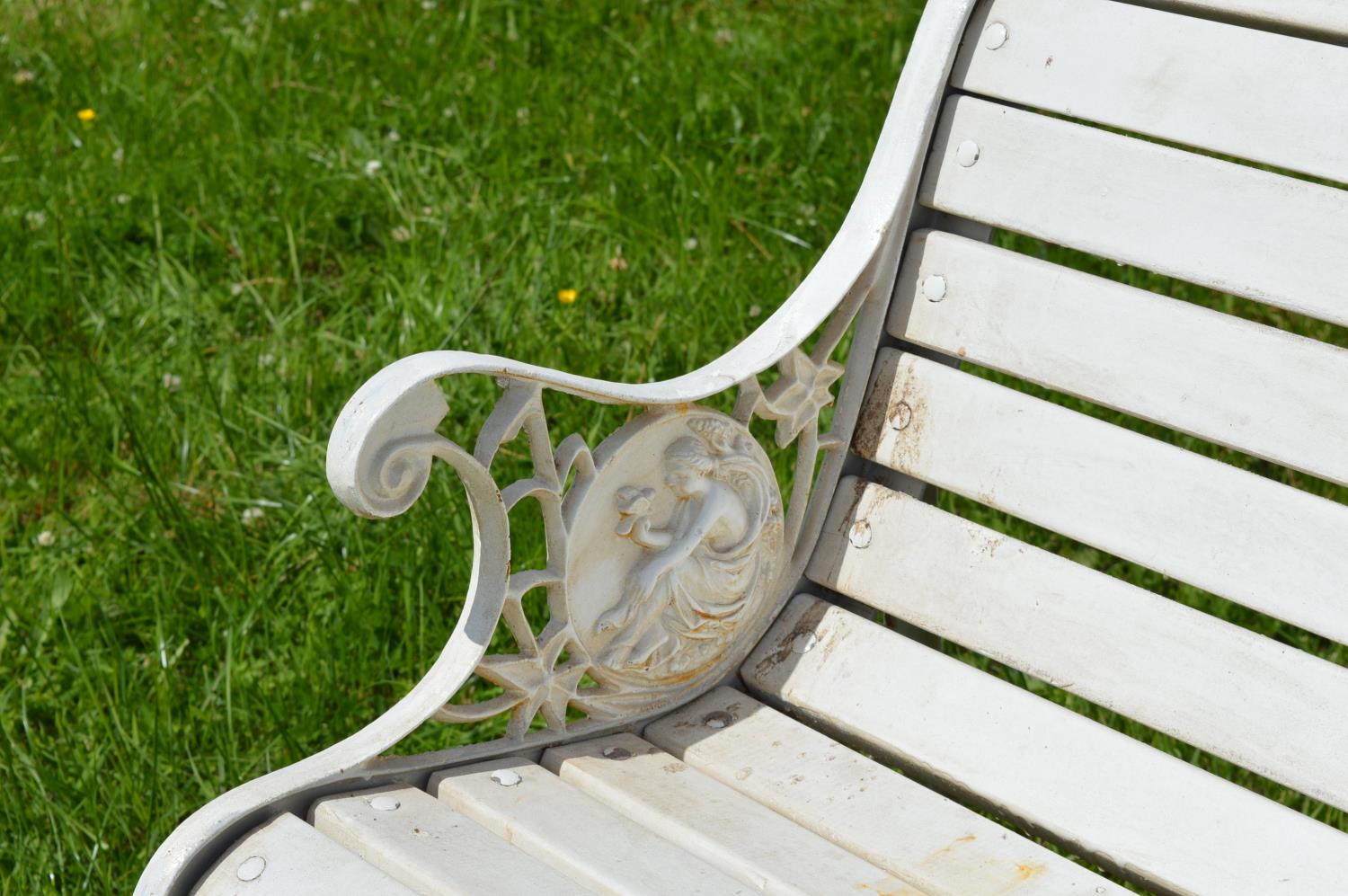 Cast iron garden seat with wooden slats - Image 2 of 2