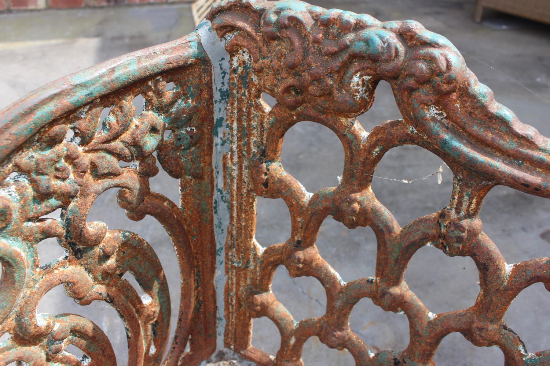 Cast iron bench - Image 4 of 6