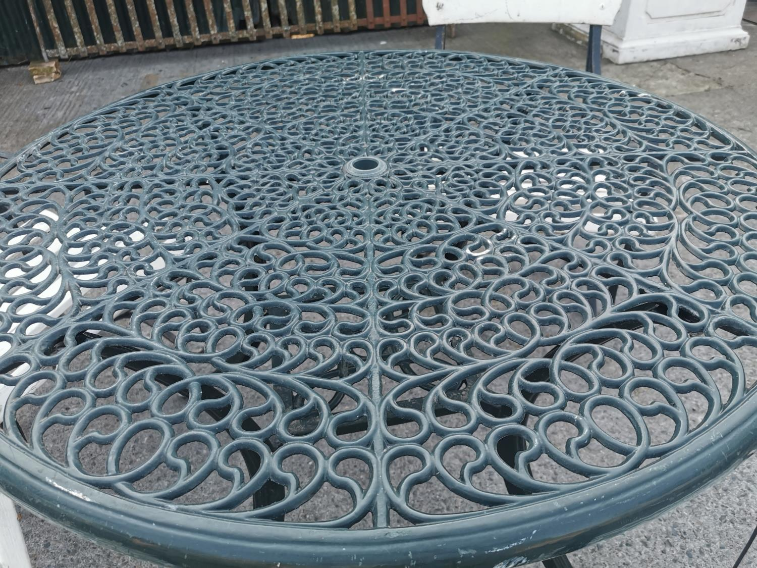 Decorative cast alloy garden table - Image 2 of 2