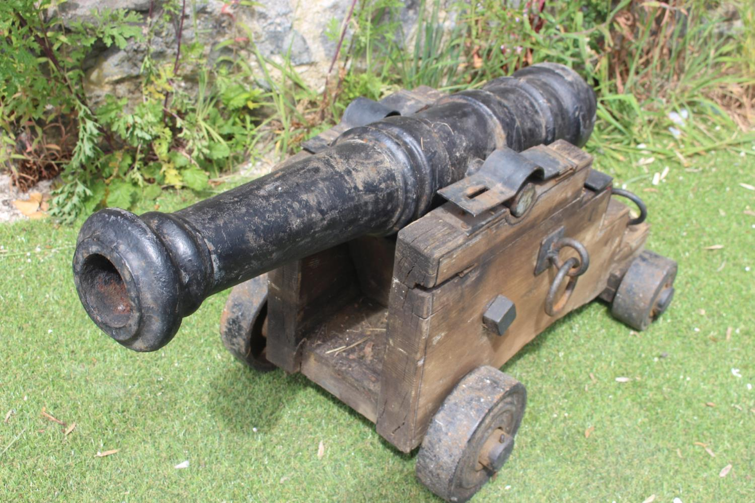 Pair of cast iron and wooden cannons - Image 2 of 3