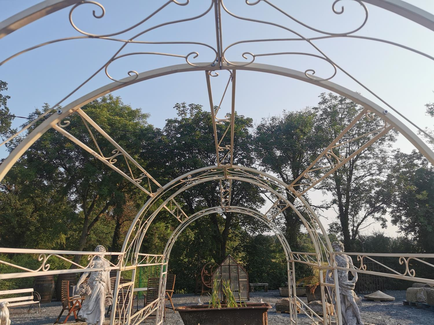 Good quality wrought iron rose arch - Image 3 of 3