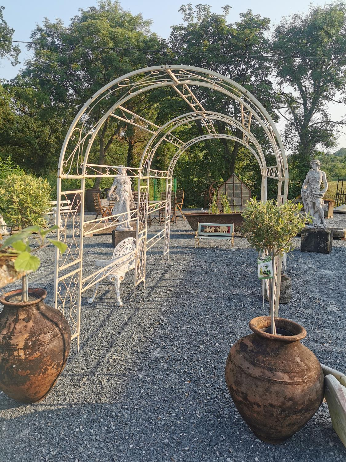 Good quality wrought iron rose arch - Image 2 of 3