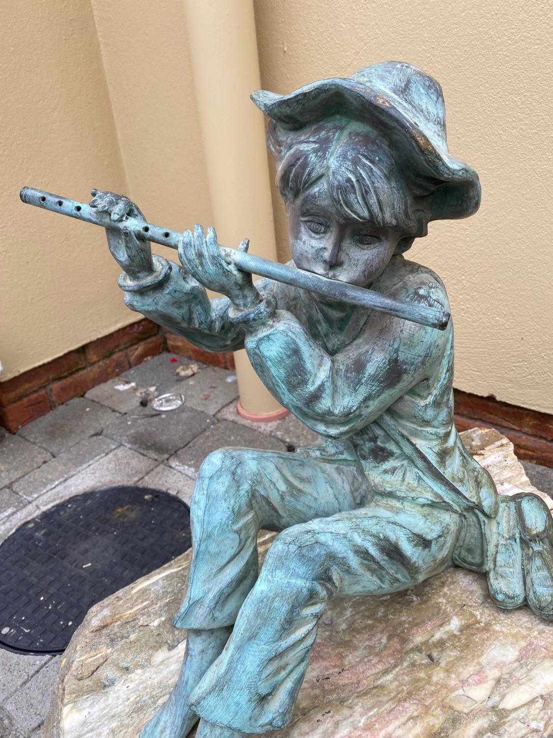 Brozne water feature depicting a Boy. - Image 3 of 5