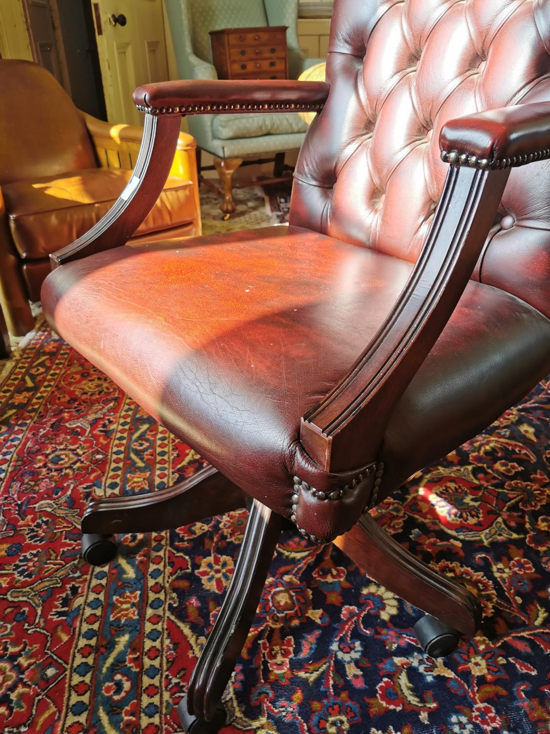 Leather upholstered swivel office chair - Image 2 of 2