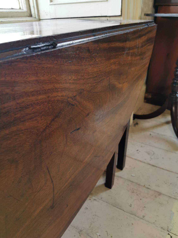 Irish Georgian mahogany hunt table. - Image 3 of 4