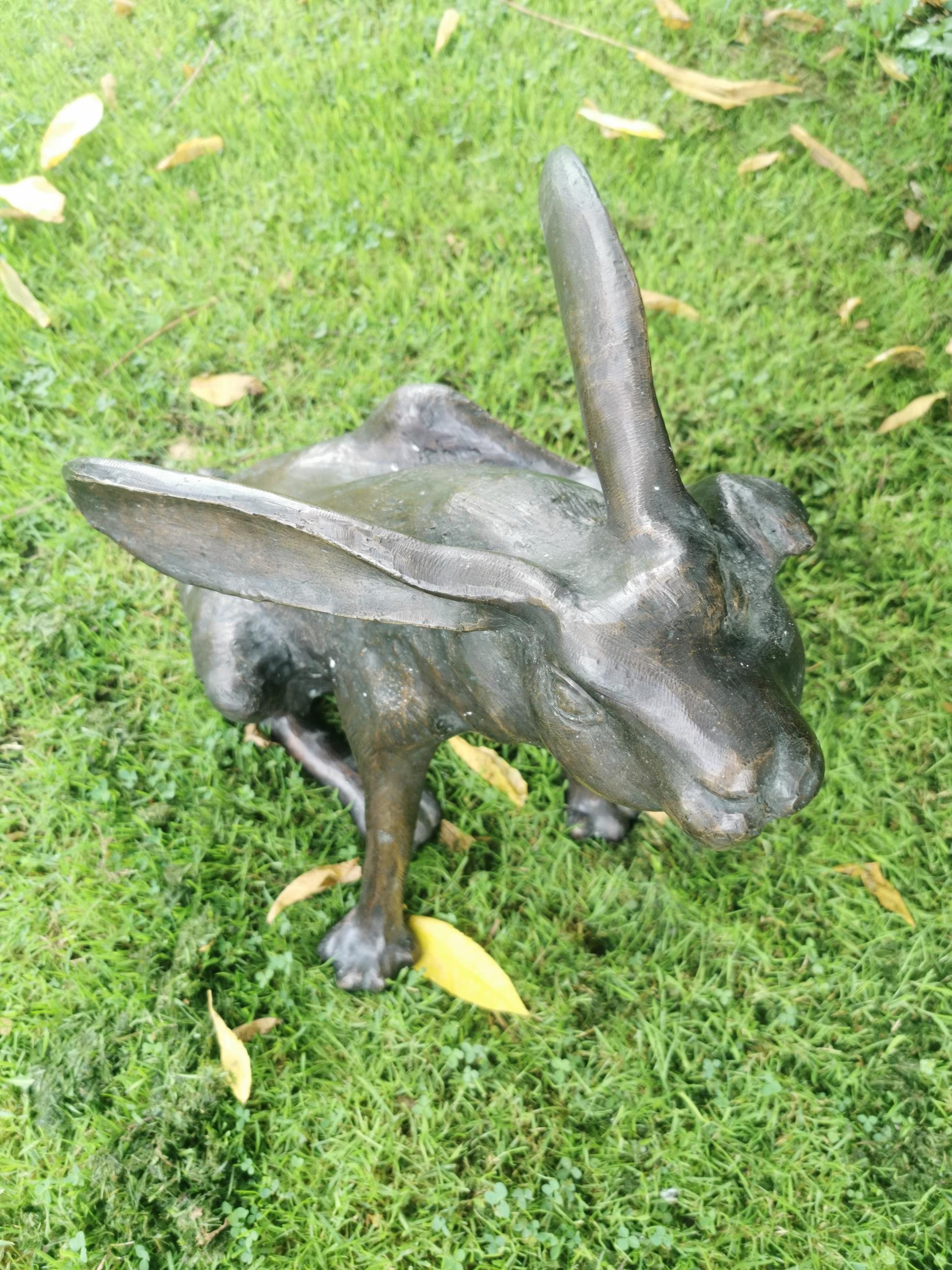 Bronze model of a seated hare - Image 2 of 5