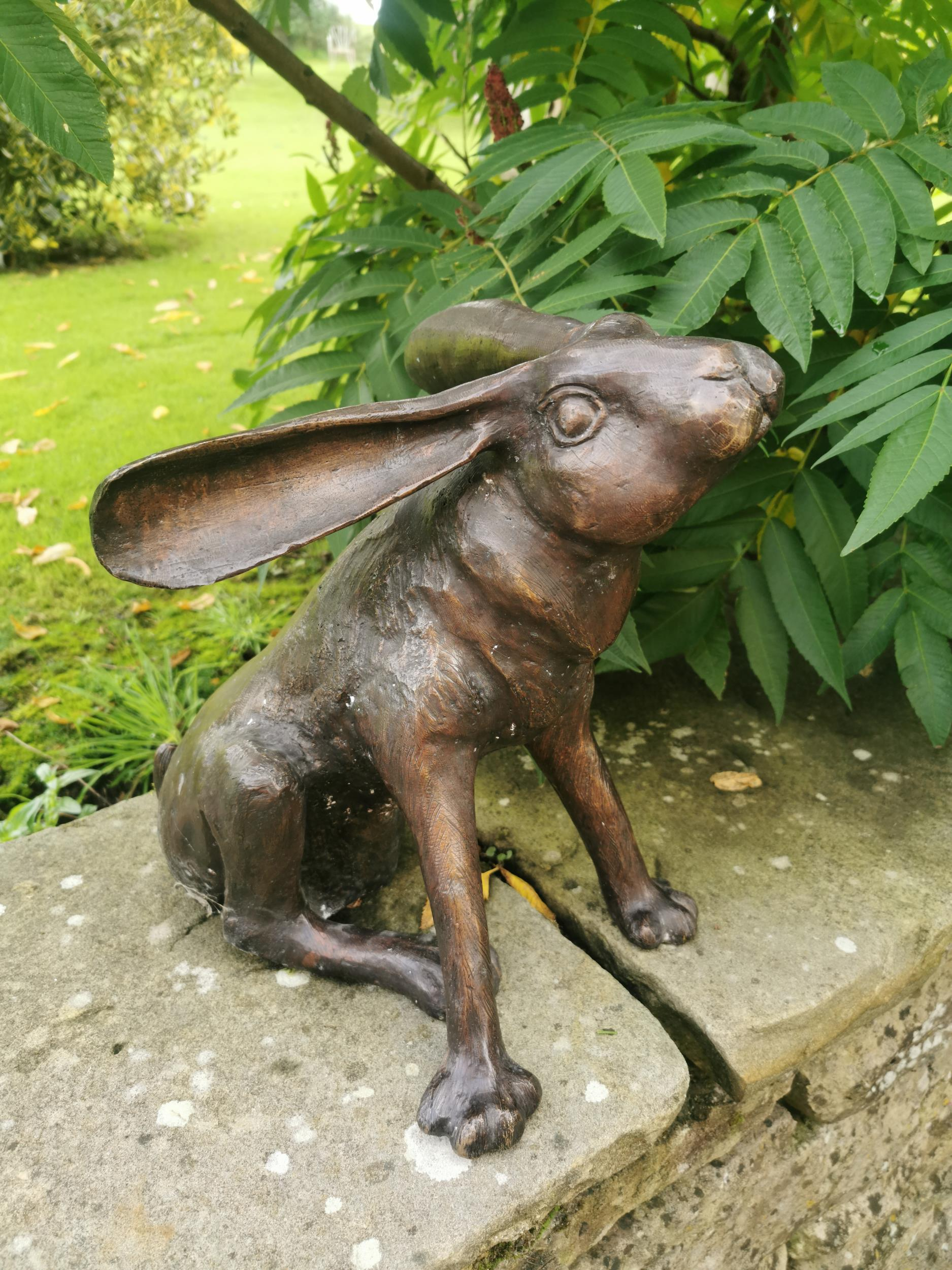 Bronze model of a seated hare - Image 5 of 5