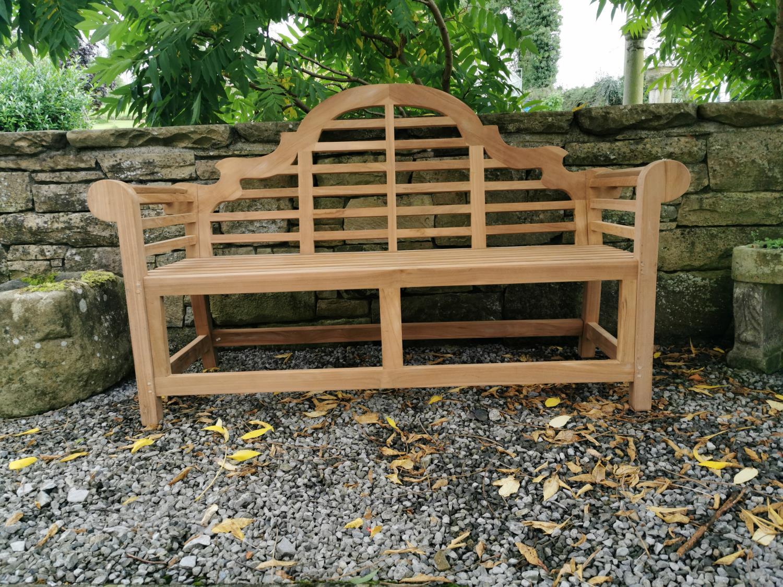 Lutyens teak garden bench. - Image 4 of 4