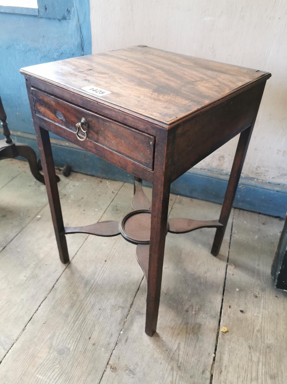 Georgian mahogany lamp table. - Image 2 of 2