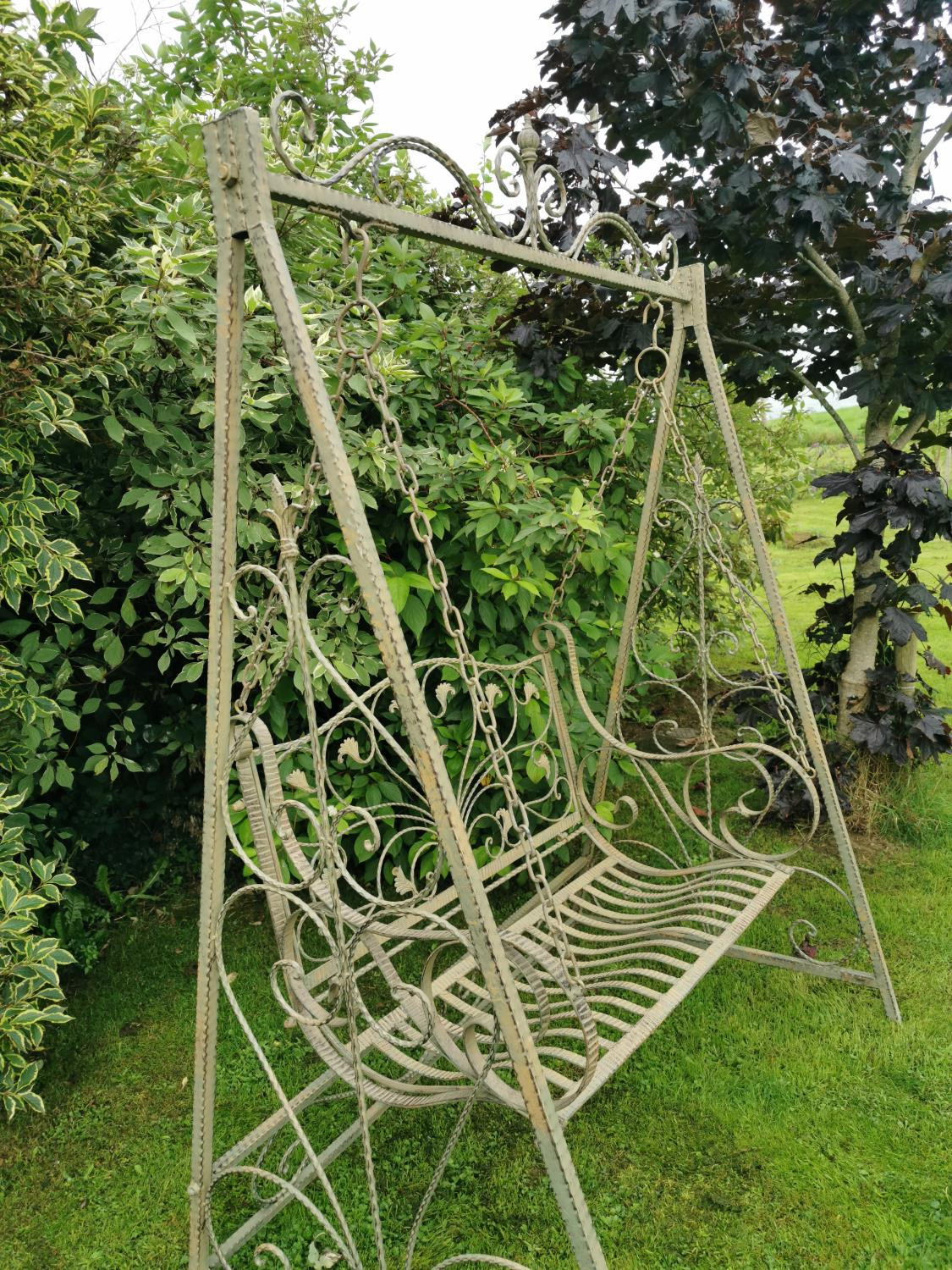 Wrought iron swing bench. - Image 5 of 5
