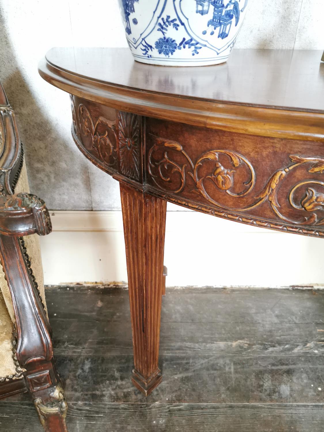 Pair of mahogany demi -lune side tables - Image 5 of 6