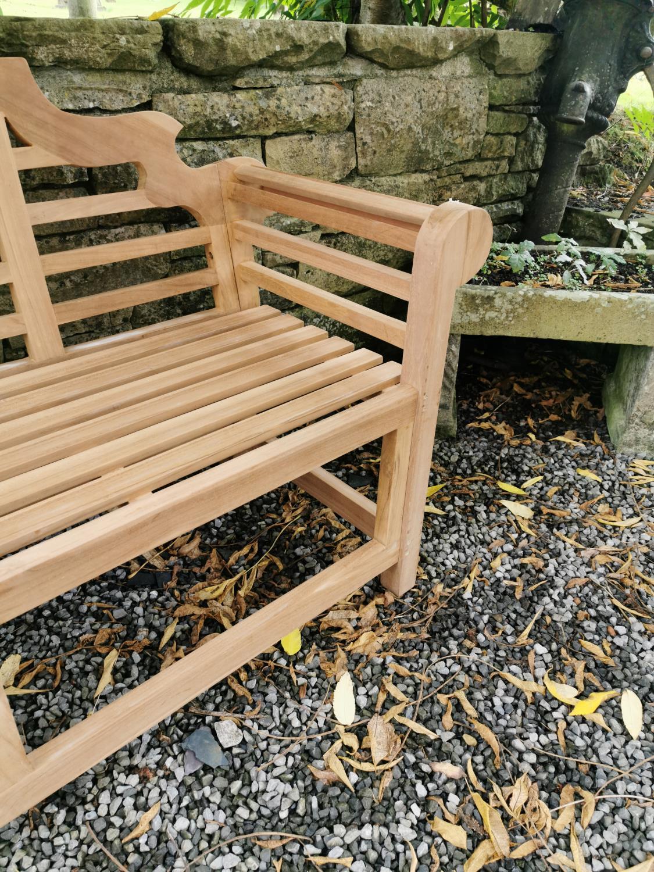 Lutyens teak garden bench. - Image 2 of 4