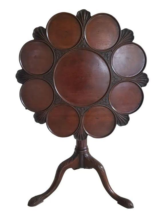 Georgian mahogany tilt-top supper table,