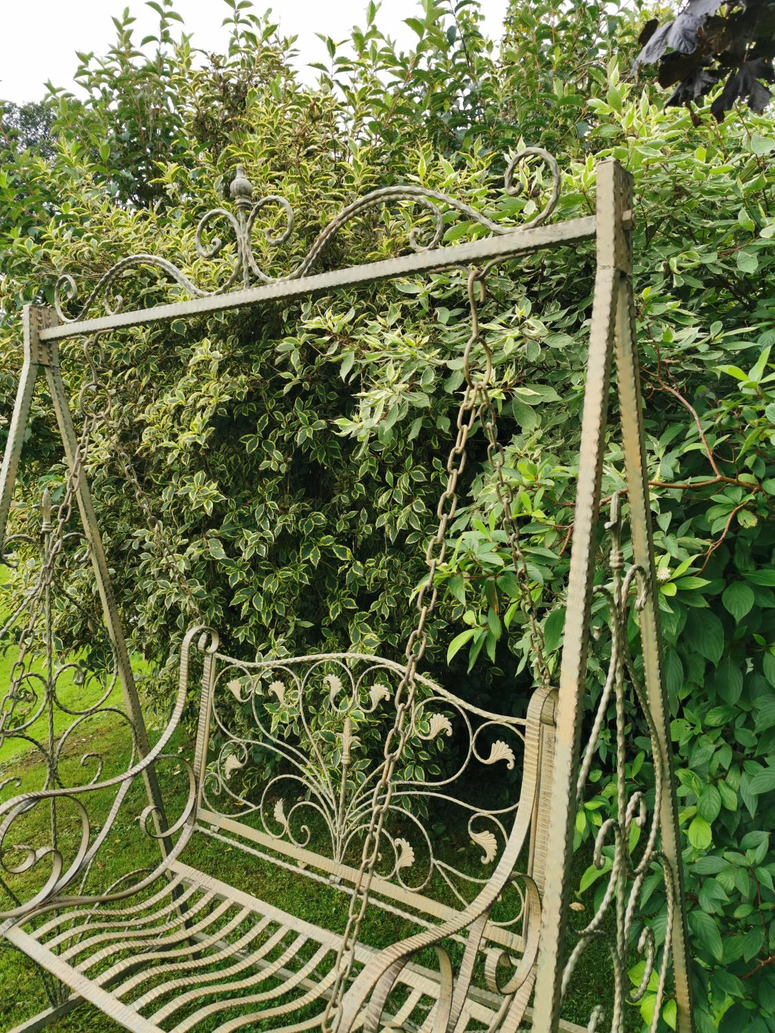 Wrought iron swing bench. - Image 3 of 5
