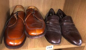 TWO PAIRS OF MEN'S LEATHER SHOES SIZE 6 AND 8.