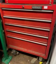 RED KENNEDY PROFESSIONAL MOBILE TOOL CHEST OF DRAWERS - CONTAINING SPANNERS, SCREW DRIVERS,