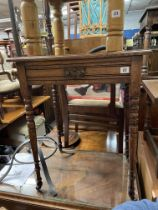 LATE VICTORIAN OAK SIDE TABLE ON RING TURNED TAPERED LEGS