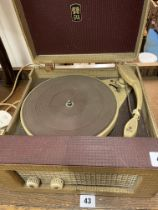 VINTAGE MID 20TH CENTURY EAR PORTABLE RECORD PLAYER