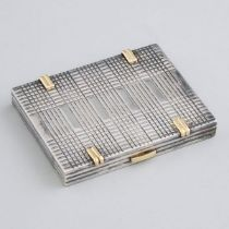 French Silver and Yellow Gold Rectangular Compact, 20th century, 0.4 x 3.1 x 2.6 in — 1 x 8 x 6.7 cm