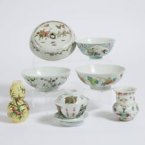 A Group of Seven Chinese Enameled Porcelain Wares, 19th Century and Later, 十九世纪及更晚 粉彩器一组七件, largest