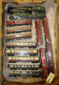 14 items of Hornby Dublo for 3-rail running. Including 2x BR locomotives; Coronation Class 4-6-2,