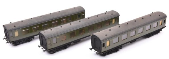 3x O gauge Southern Railway coaches using some plastic parts.