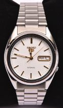 A Seiko Perpetual Calendar Cal.6A32 Automatic watch with automatic self winding movement.