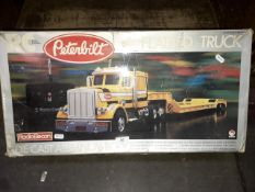 Peterbilt 1:24 remote controlled flatbed truck