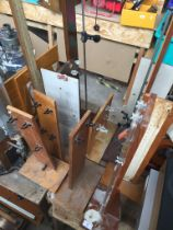 Various wooden supports for gas pressure measurements, etc.