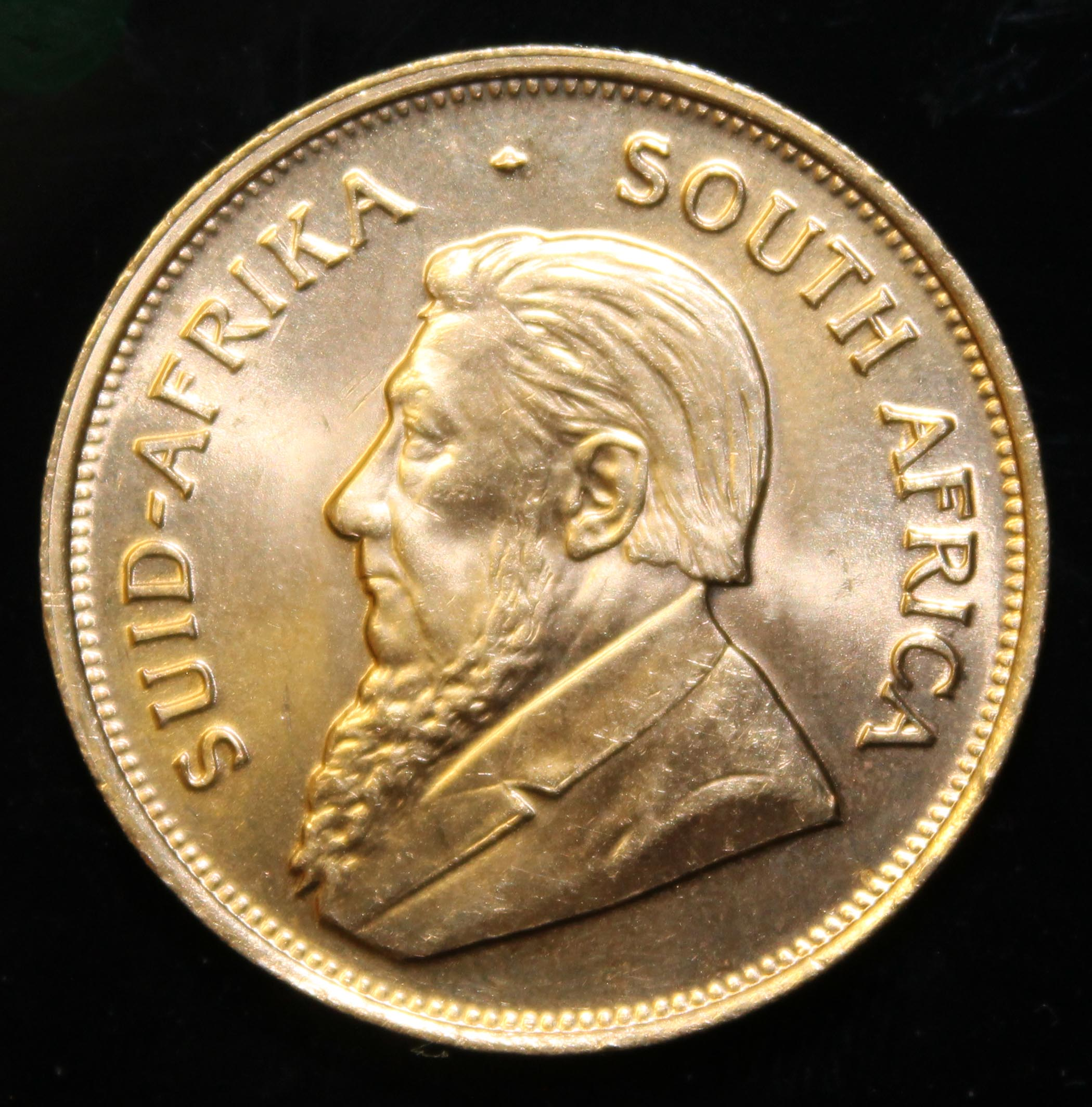 South Africa, 1976 Krugerrand, 1 oz. fine gold (91.67%) ONLY 10% BUYER'S PREMIUM (INCLUSIVE OF