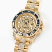 A FINE & RARE 18K SOLID YELLOW GOLD, DIAMOND & SAPPHIRE ROLEX OYSTER PERPETUAL DATE GMT MASTER II