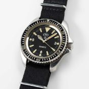 A RARE GENTLEMAN'S STAINLESS STEEL BRITISH MILITARY ROYAL NAVY CWC QUARTZ DIVERS WRIST WATCH DATED
