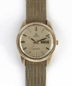 A GENTLEMAN'S SIZE 9CT SOLID GOLD OMEGA SEAMASTER DAY DATE AUTOMATIC BRACELET WATCH CIRCA 1971, REF.
